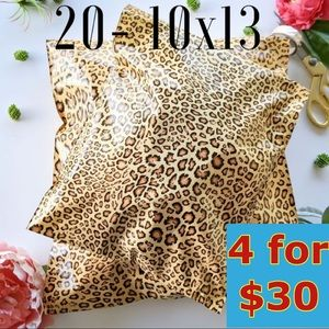 20- 10x13 Leopard Print Poly Mailers